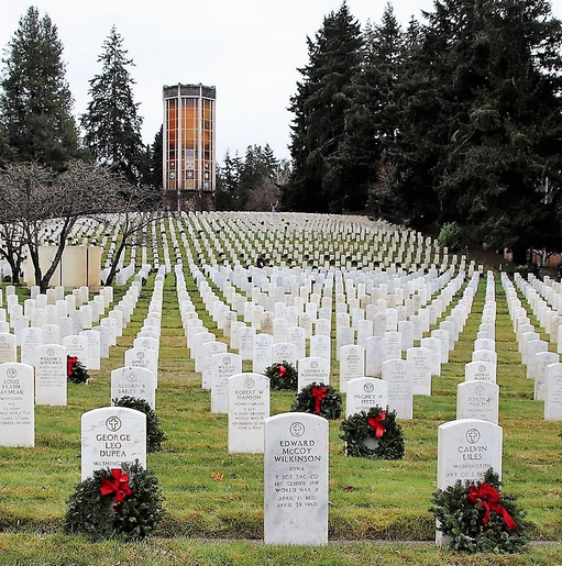 An image of the wreaths placed at Washelli